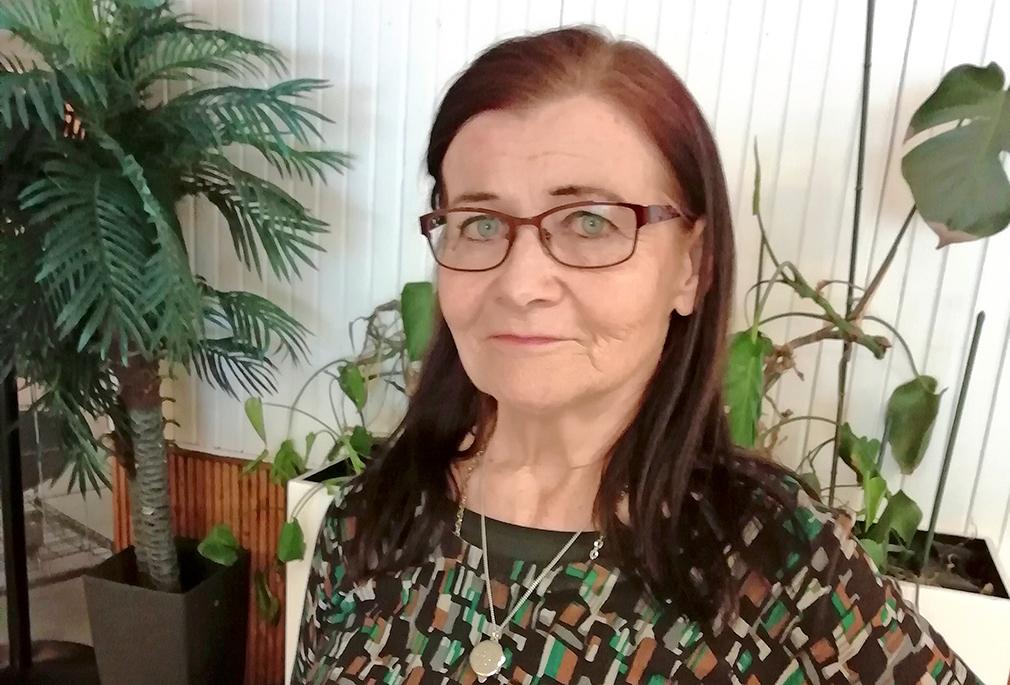 Puheenjohtaja Armi Sundström.