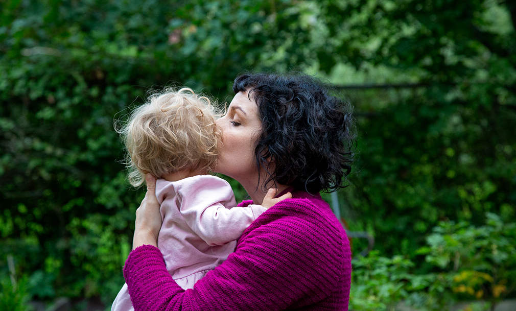 Kaisa Kuurne tyttärensä kanssa