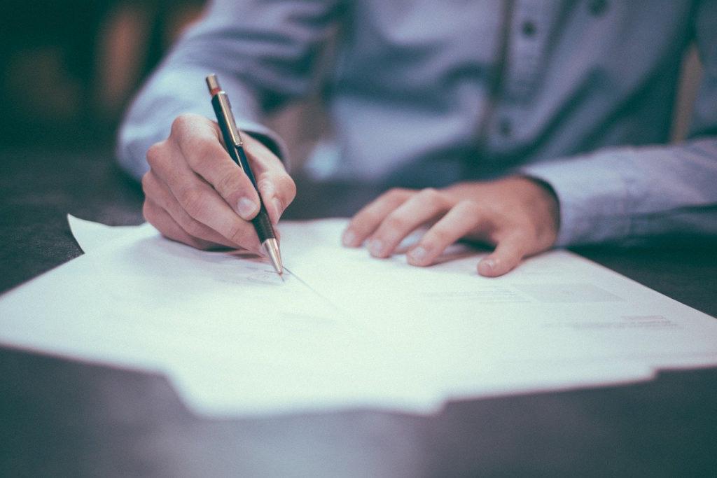 kirjeen kirjoittaminen ilahduttaa