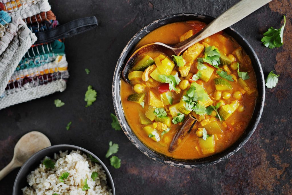 Hyvä ateria sisältää kasviksia, kuitua, proteiinia ja pehmeitä rasvoja.