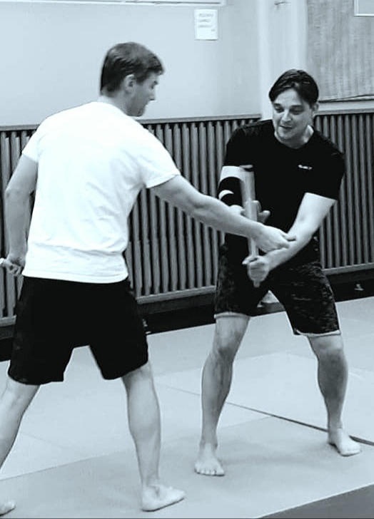 escrima treenit Maskun Tempon judosalilla